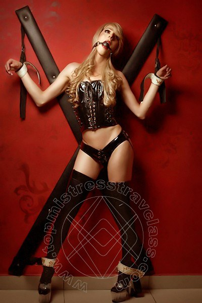 Mistress Lorena  CAMPOBASSO 388 8656883