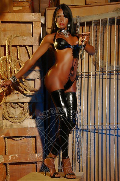 Lady Alessandra La Gatta Nera  MILANO 348 8811524